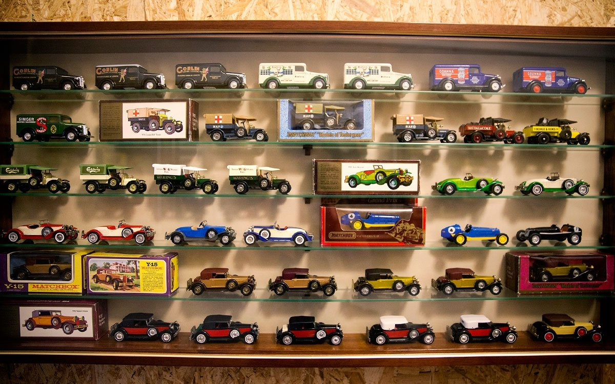 A kdyby se vám zdejší nekonečný svět hraček přeci jenom začal trochu zajídat, můžete ještě navštívit přístupný depozitář nábytku 19. a 20. století, hravé městské muzeum představující bohatou historii města tak, že ji vnímáte všemi smysly, nebo skvělou zámeckou kavárnu. | © Eva Kořínková