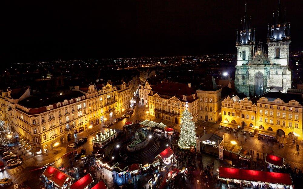 Adventní trhy na Staroměstském náměstí patří k nejkrásnějším v Evropě. | © Martin Mařák, archiv CzechTourism