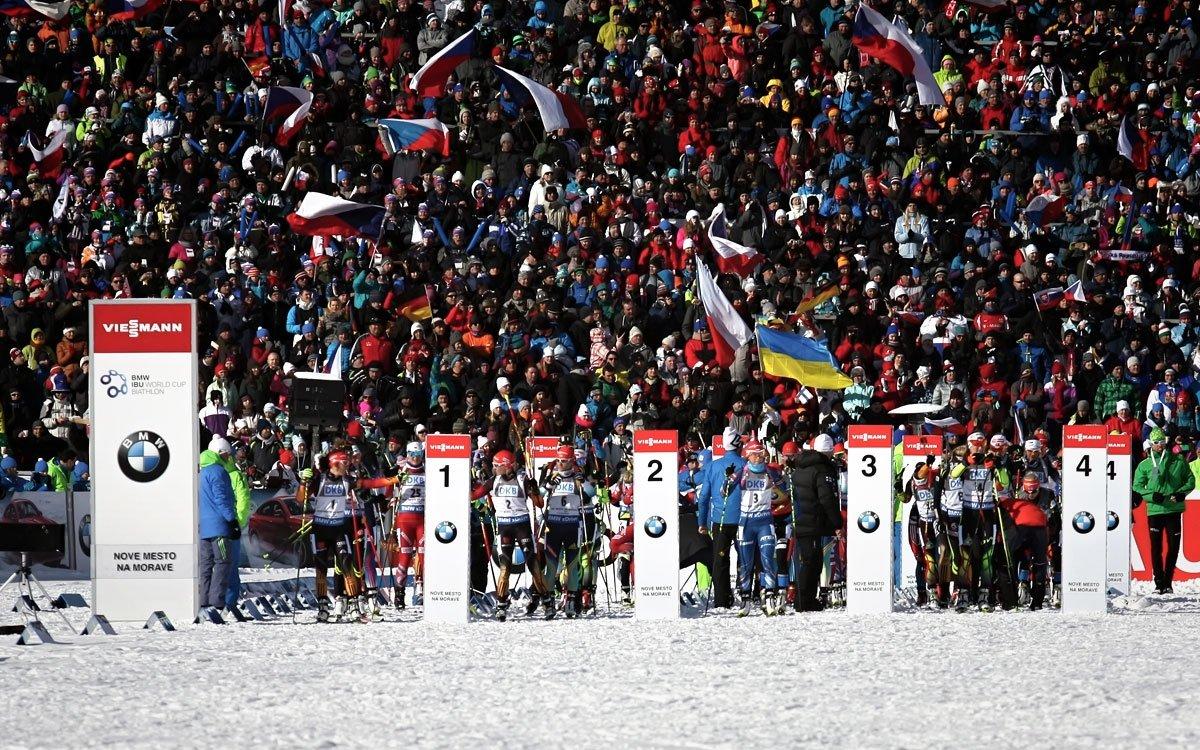 Nové Město na Moravě tradičně pořádá závody světového poháru v běhu na lyžích i v biatlonu, které se těší obrovské oblibě jak u závodníků, tak především u diváků na tribunách i u televizních obrazovek. | z archivu kraje Vysočina