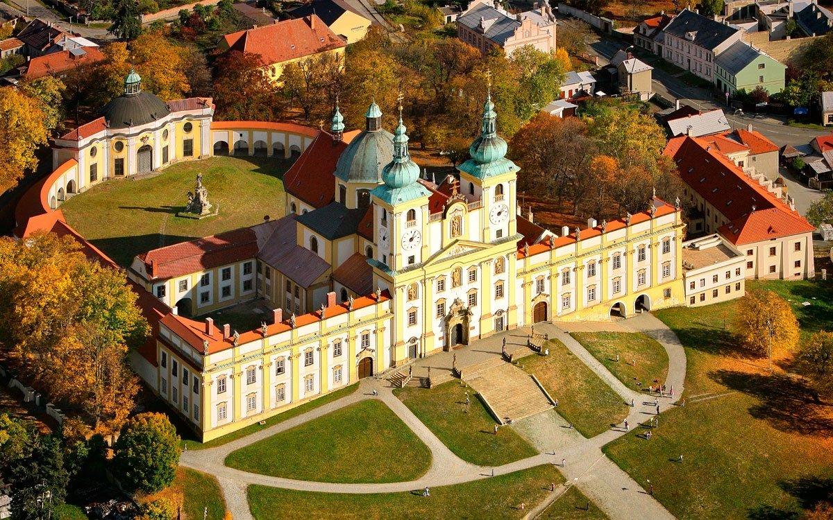 V době baroka přicházelo na Svatý Kopeček až 130 000 lidí ročně a zájem poutníků i obdivovatelů barokního umění trvá dodnes. | z archivu CzechTourism
