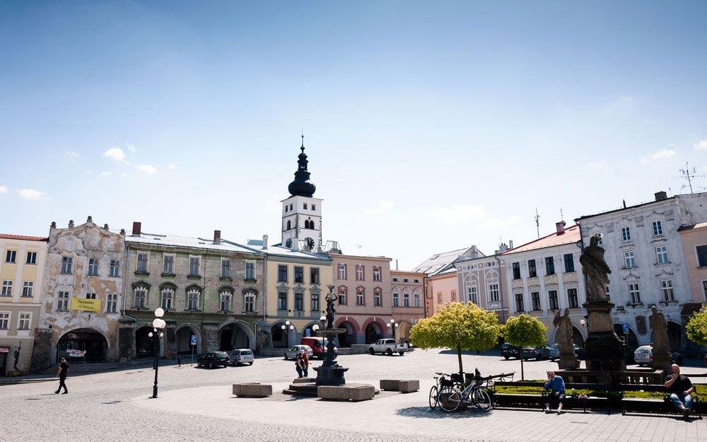 Historické centrum s náměstím Sigmunda Freuda je od roku 1989 vyhlášeno městkou památkovou rezervací. | © Yan Plíhal, AnFas