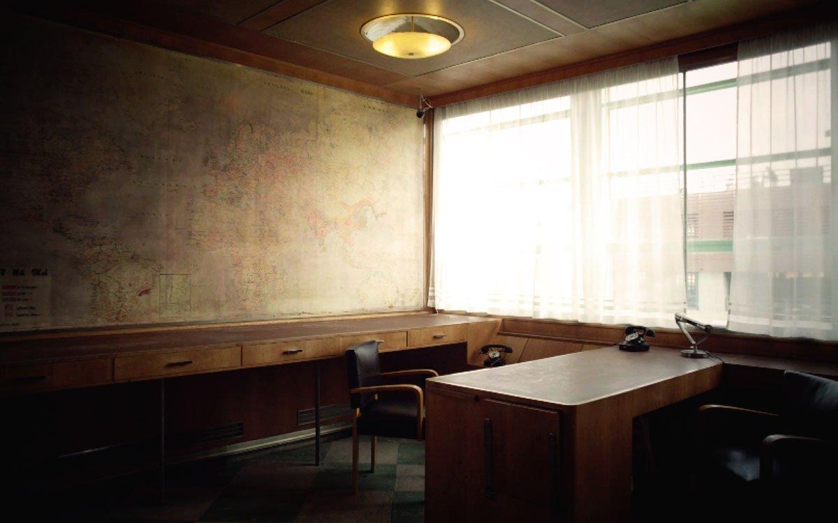 Jan Antonín Baťa ve své knize Těžké časy píše, že se vyšším manažerům nechtělo vstupovat do obrovského paláce, a tak na radu Vladimíra Karfíka a Antonína Raymonda nechal vybudovat pojízdnou kancelář, která měla zrychlit komunikaci s pracovníky v celé budově. | z archivu seriálu Lovci zážitků