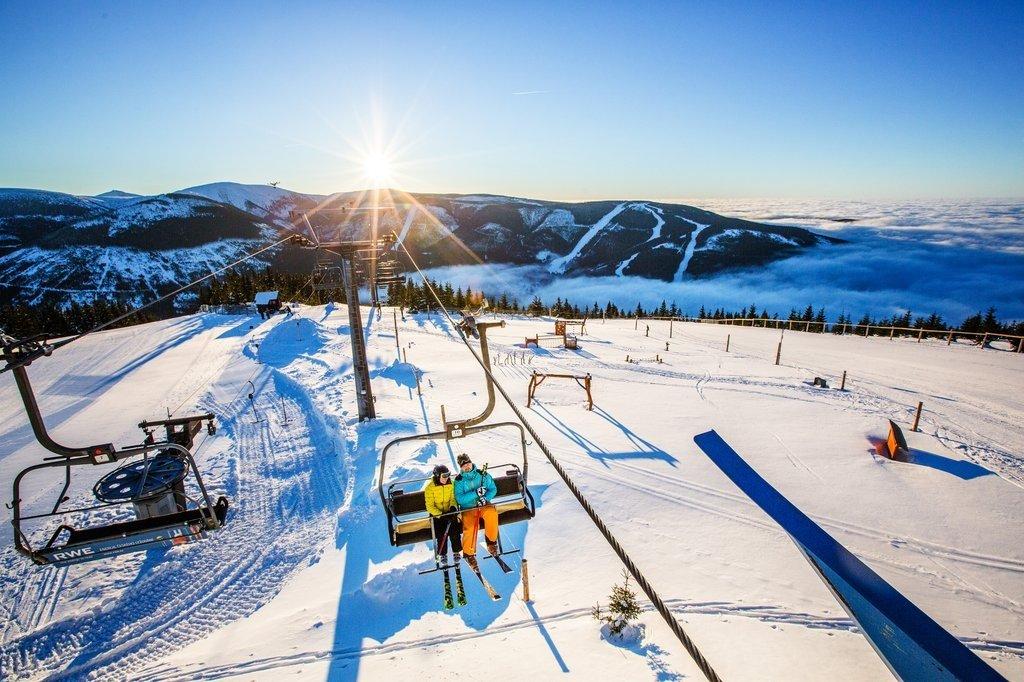 Užijte si Lázně Bělohrad jako relax po lyžování. Ze Špindlerova Mlýna je to sem asi hodina cesty.