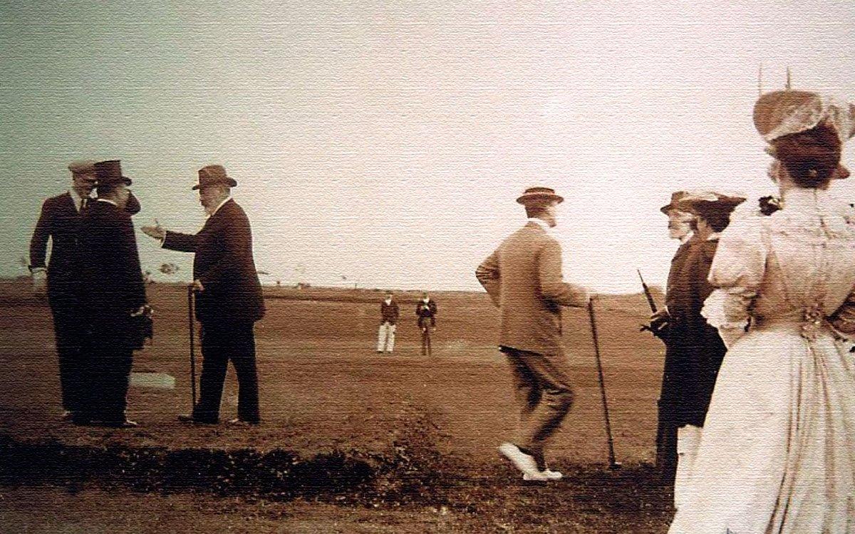 V roce 1905 britský král Eduard VII. slavnostně otevřel v Mariánských Lázních golfové hřiště, které v současnosti jako jediné ve střední Evropě smí užívat titul Royal Golf Club. | archiv Royal Golf Club Mariánské lázně