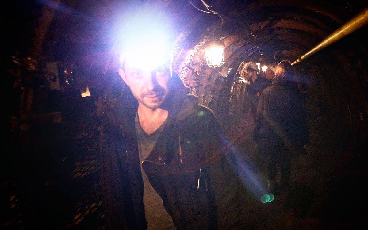 Čtvrt kilometru dlouhé podzemní chodby odhalují návštěvníkům tajemství autentického hornického pracoviště. | © Tomáš Třeštík