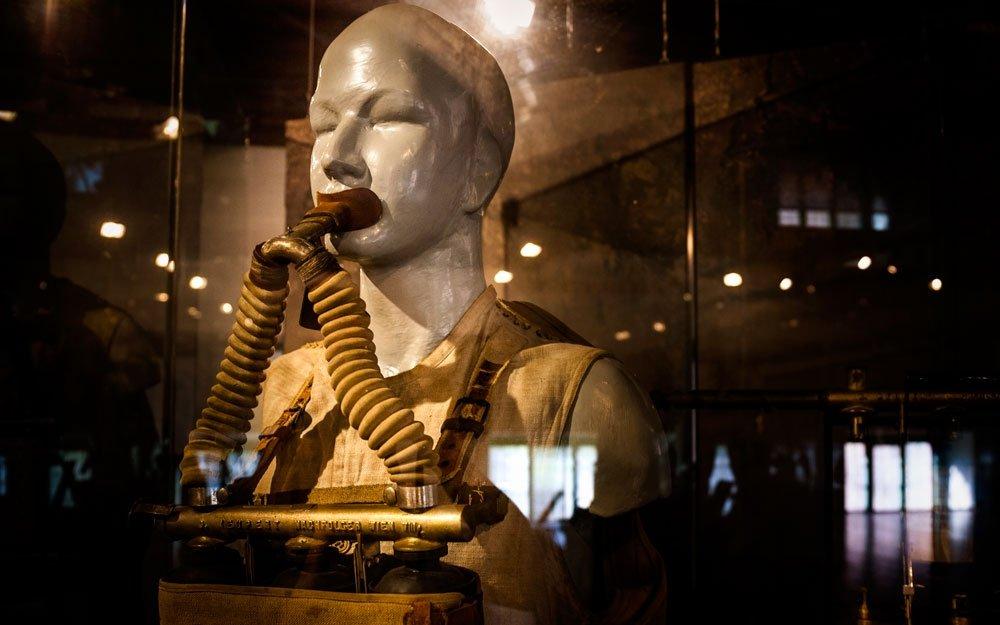 Nejstarší dochované dýchací přístroje pocházejí z roku 1884. | © Yan Plíhal, AnFas