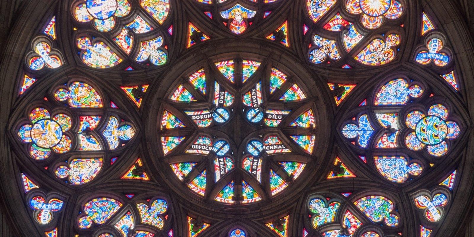 Rozeta Stvoření světa v Katedrále sv. Víta, Václava a Vojtěcha © Michal Fic