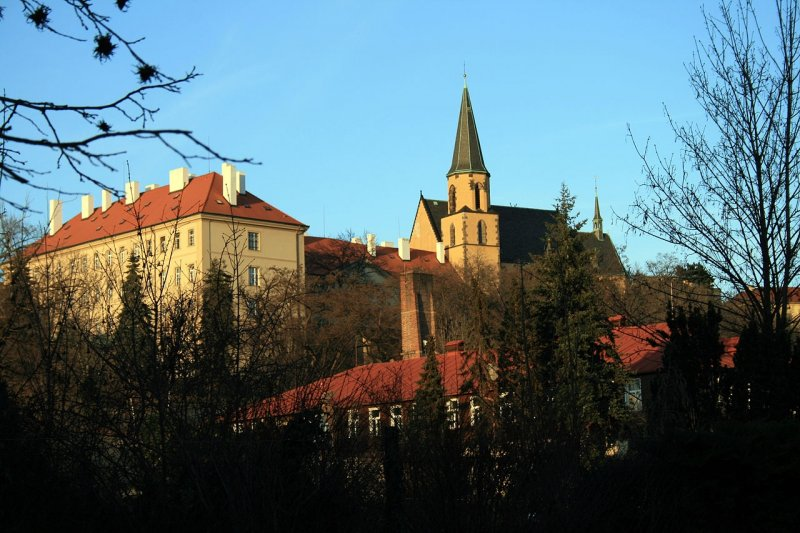 Kostel sv. Apolináře © Karelj, Public Domain