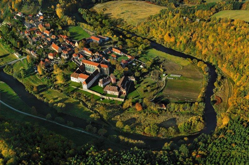 Letecký pohled na Zlatou korunu © Libor Sváček, archiv CzechTourism